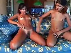 Shemale and girl give oral pleasure