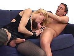 Gorgeous shemale sucking big cock